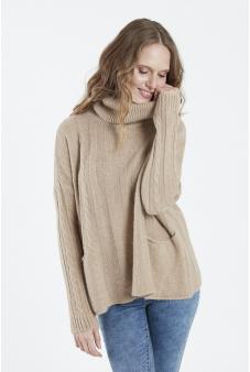 Sweater, cuello beatle